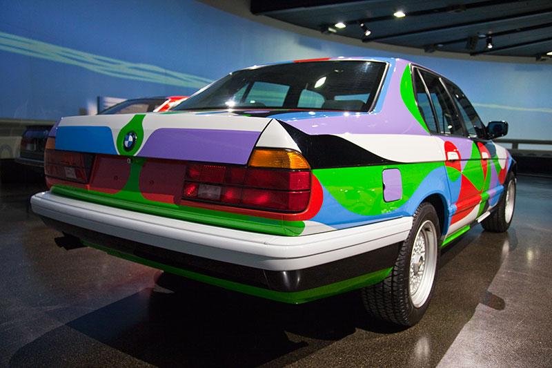 BMW 730i Art Car von César Manrique im BMW Museum