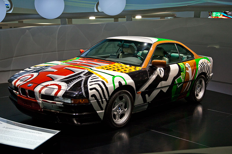 BMW 850 CSi Art Car von David Hockney im BMW Museum in München