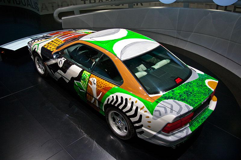 BMW 850 CSi Art Car von David Hockney im BMW Museum in München