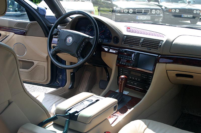 BMW Alpina B12 6.0 (E38) Cockpit