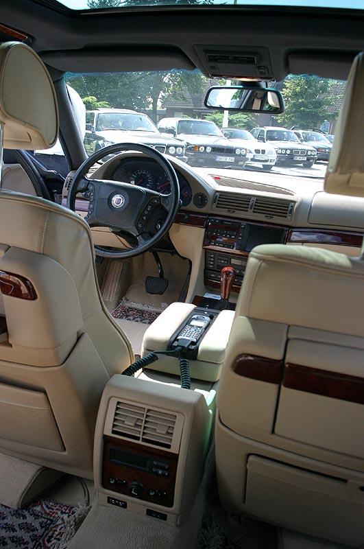Innenraum des BMW Alpina B12 6.0 (E38)