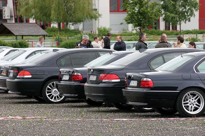 """Die eleganten E38iger verschwinden hinter den """"bulligen"""" E65"""