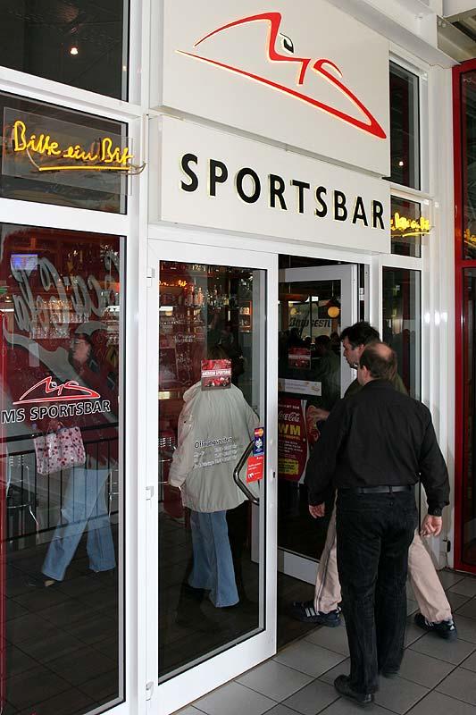 Eingang zur American Sportsbar
