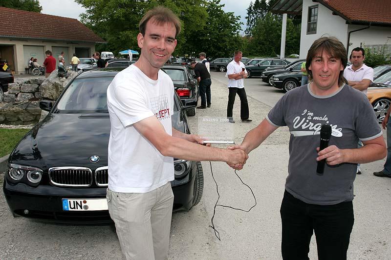 Matthias nimmt den Preis für den schönsten orig. E65 entgegen
