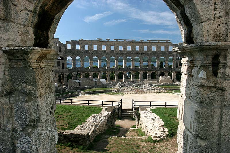 Blick ins Amphitheater in Pula (Istrien, Kroatien)