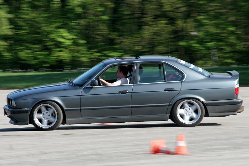 """(""""BMW Devil 735"""") in seinem BMW 530i (E34) beim Fahrertraining in Wuppertal"""