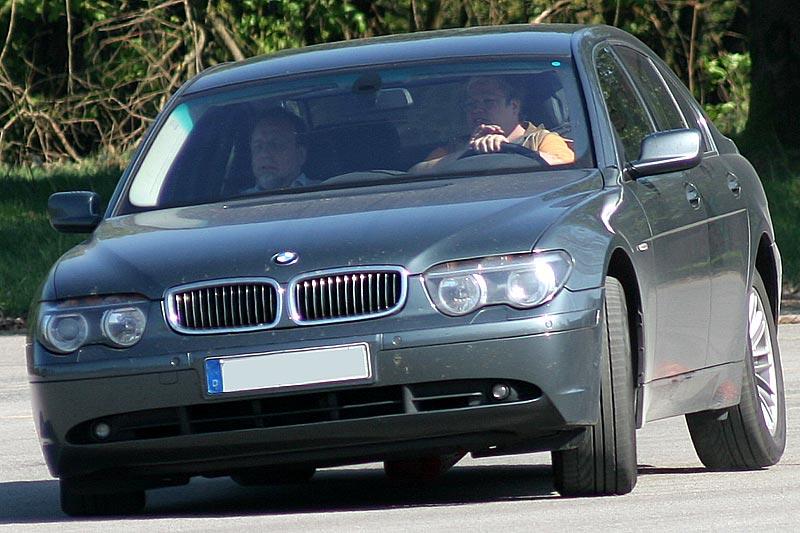 """Uschi mit ihrem BMW 745i (E65) und Peter (""""peterpaul"""") als Beifahrer"""