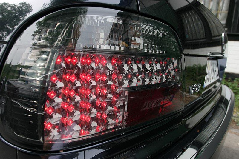 neue LED-Rückleuchten für Abblend- und Bremslicht