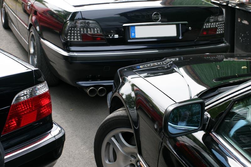 """Die 7er-BMWs (E38) von Stefan (""""jippie""""), Oliver (""""7erOlli"""") und Andre (""""Herby7"""") (von links)"""