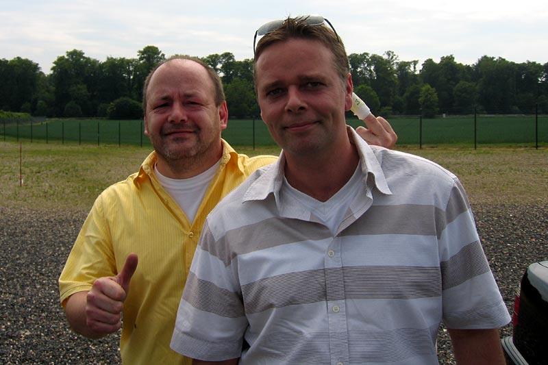 """Horst (""""engel"""") und Thomas (""""jak"""") beim 12. Rheinischen Stammtisch in Kerpen am 20.05.07"""