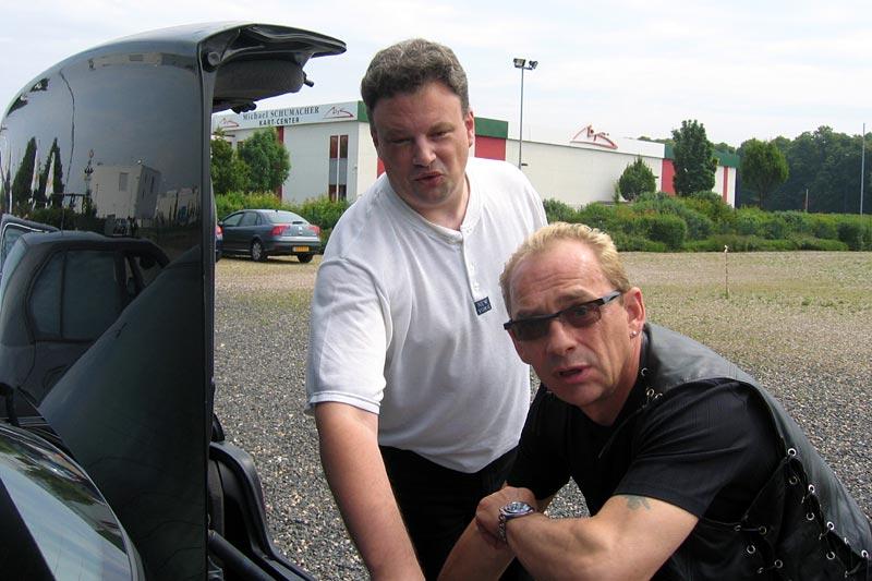 """Markus (""""mk2611"""", Moderator im 7er-Forum) und Michael (neuerdings als """"virgo"""" im Forum unterweg) beim 12. Stammtisch in Kerpen"""