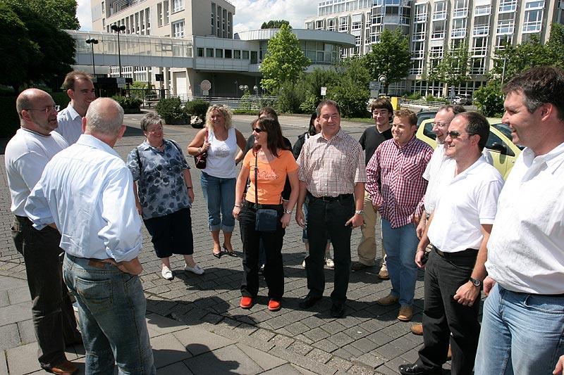 Begrüßung der Teilnehmer auf dem Gelände von RTL
