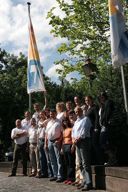 Zum Abschluss wurde ein Gruppenbild vor dem RTL-Gebäude von den Teilnehmern aufgenommen