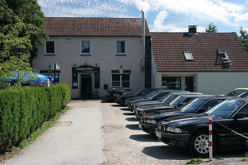 7er-Parkplatz vor dem Landgasthaus Brandenburg in Essen