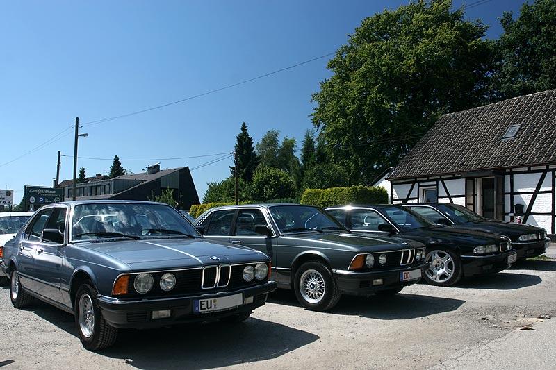"""7er-Stammtisch """"Rhein-Ruhr"""" im August mit zwei 7er-BMWs der ersten Generation"""