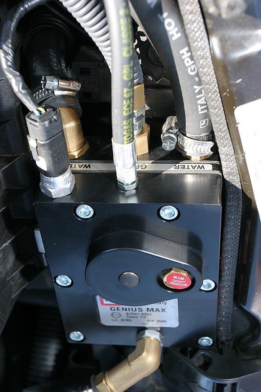 Gas-Verdampfer mit Wasser- und Gas-Anschlüssen