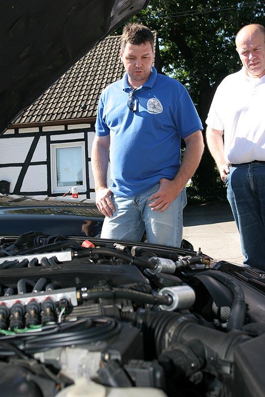 """Andre (""""Herby7"""") führte seinen auf Gas umgerüsteten BMW 750i vor"""
