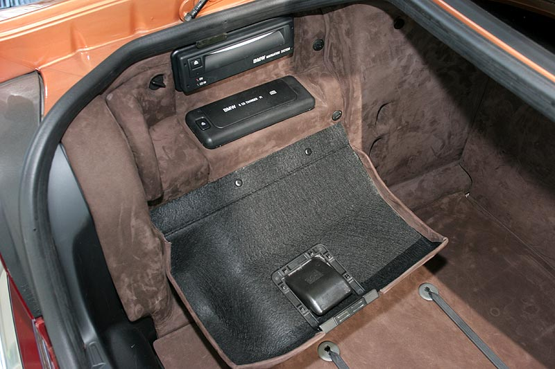 Bmw E38 Subwoofer JL Audio quot Sub In BMW E38 Custom Made