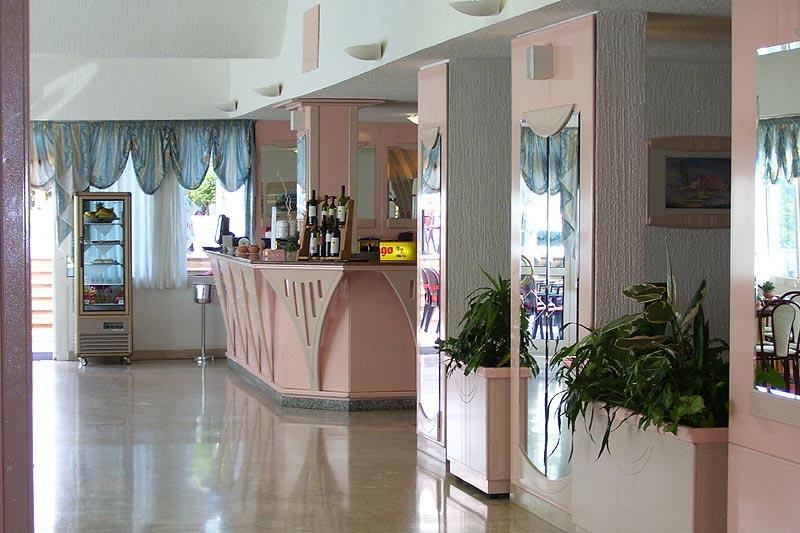 Bar im Hotel Laguna Park in Porec