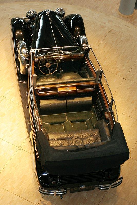 Horch 851 aus dem Jahr 1936, 100 PS stark, 125 km/h schnell