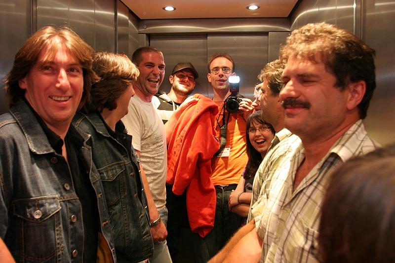 Abends im Fahrstuhl des Hotels Esplanade