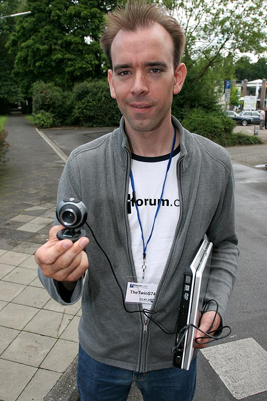 """Matthias (""""TheTwinS74"""") lief mit einer Webcam über das Gelände; das Bild wurde live ins Web übertragen"""