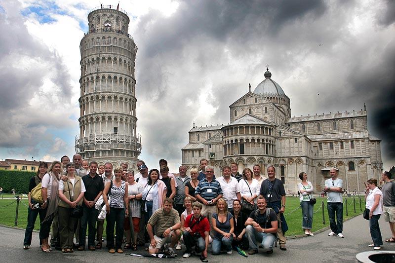 Gruppenfoto der Sternfahrt-Teilnehmer in Pisa
