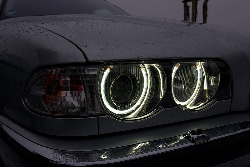 """nachgerüstete Standlichtringe im BMW 735i (E38) von Wolfgang (""""Wölfi"""")"""