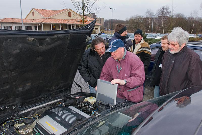 """Ralf (""""MetalOpa"""") liest den Fehlerspeicher eines Teilnehmerfahrzeuges aus"""
