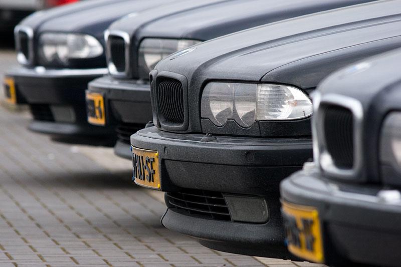 Niederländische E38-7er auf dem Stammtisch-Parklatz