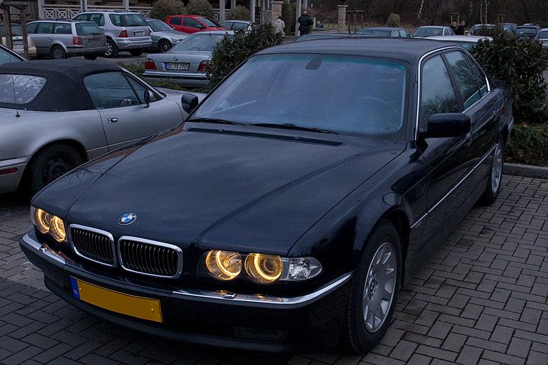 """Edwins (""""Homerraas"""") BMW 735i (E38) mit neuen Standlichtringen"""