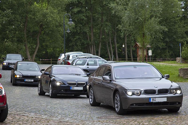 """Konvoi aus Berlin vorne mit Matthias (""""Bommelmann"""") im 745i (E65) und Tom (""""TomS"""") im 650Ci SMG (E63)"""