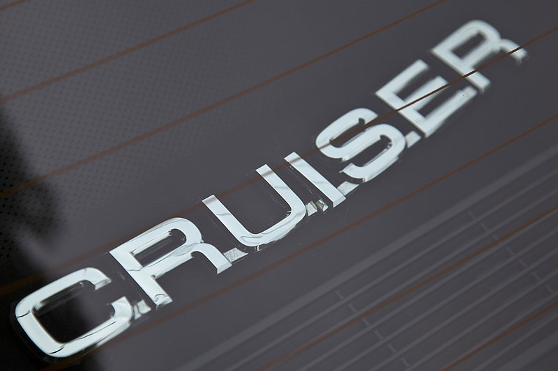 Cruiser Schriftzug auf der Hutablage