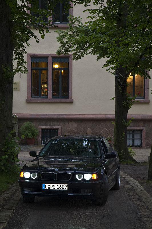 """BMW 740i (E38) von Steffen (""""BigSteffen"""") am Schloß Gattersburg"""