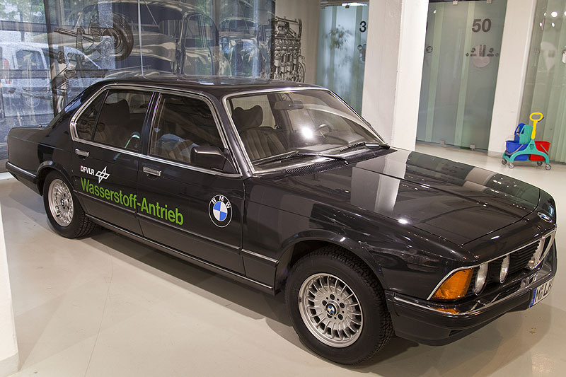 BMW 7er der ersten Baureihe E23 als Wasserstoff-Versuchsauto