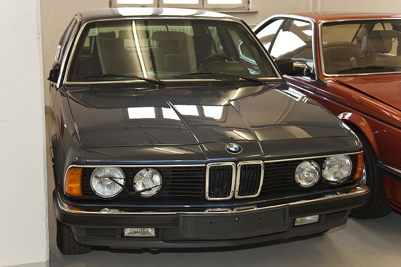 BMW 7er, Modellreihe E23