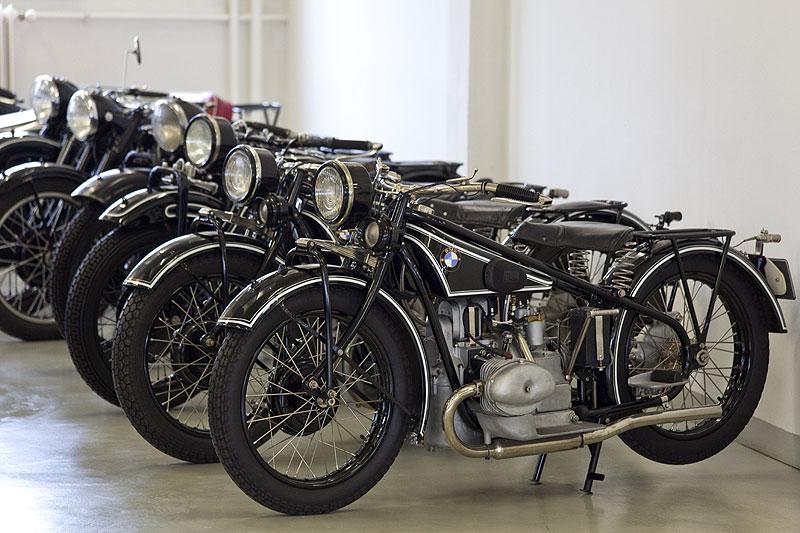 historische BMW Motorräder