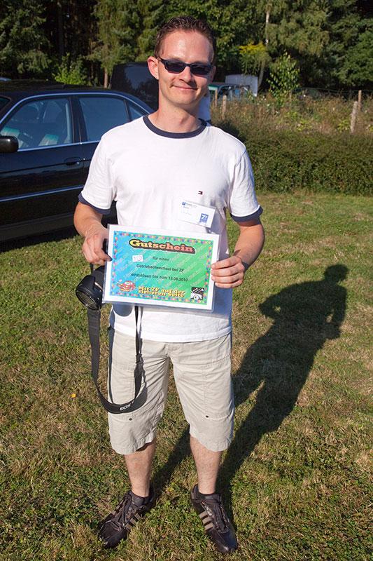 Gewinner des Tombola-Hauptpreises: ein ZF-Gutschein über einen Getriebeölwechsel