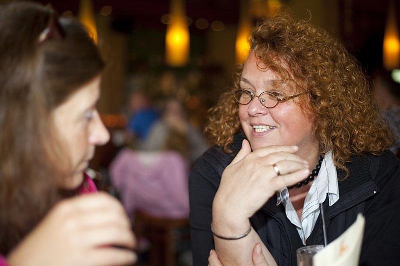 """Ullrike (""""Jeff Jaas"""") im Gespräch beim 7er-Stammtisch in Castrop-Rauxel"""