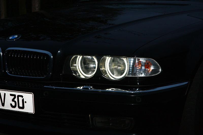 """Standlichtringe im 7er-BMW (E38) von Eberhard (""""EV30"""")"""