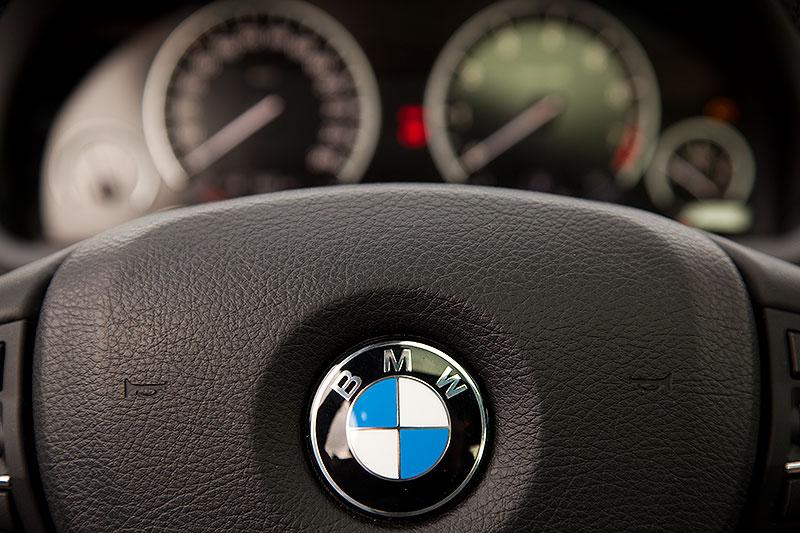 BMW 750i (F01), Lenkrad