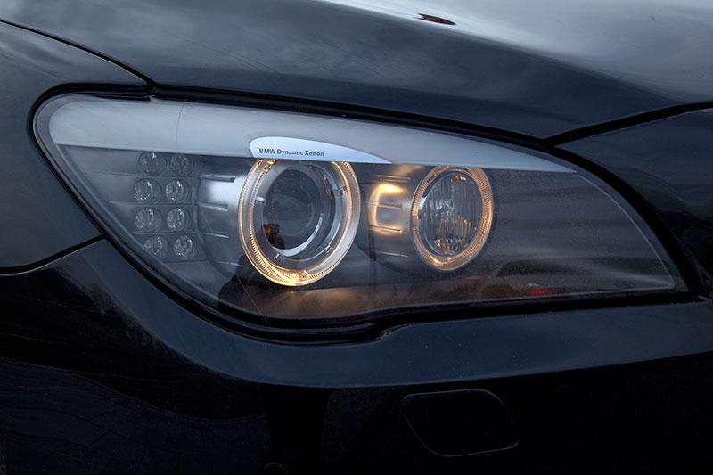 BMW 750i (F01), Scheinwerfer