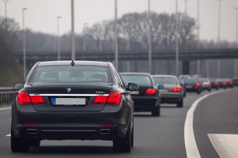 BMW 7er Konvoi auf dem Weg nach Veenendaal, vorne der BMW 750i (F01) von Alexander (alander)