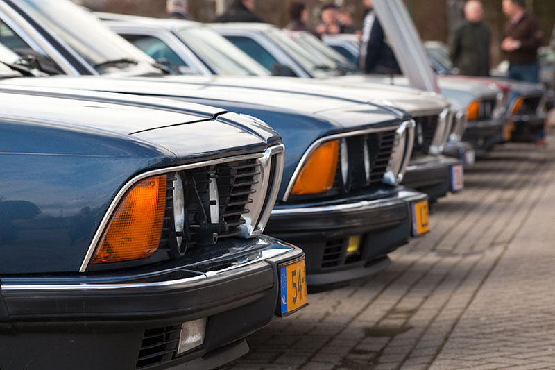 BMW 7er-Reihe, bestehend aus Modellen der ersten Generation E23 in Veenendaal