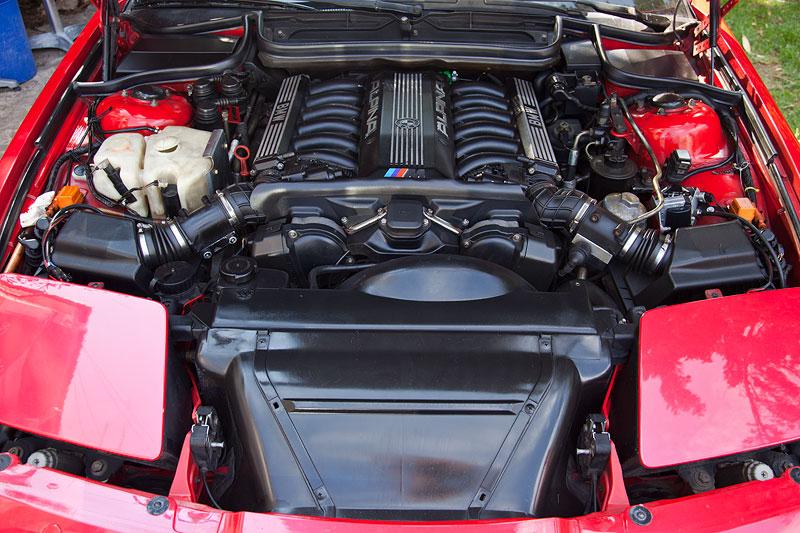 Foto BMW V12 Motor Im 850i E31 Von Dalibor Zg