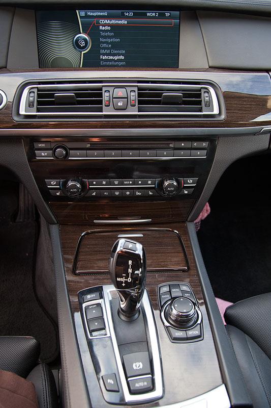 BMW 730d (F01) von Dirk ('Dixe'), Mittelkonsole vorne