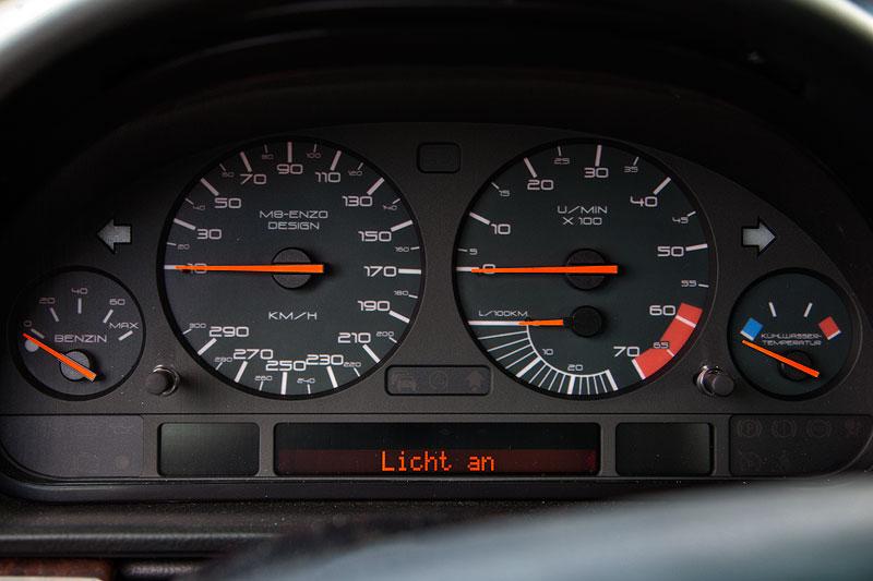 BMW 7er der dritten Modellgeneration E38 mit Tachometer von Guido ('M8-Enzo')
