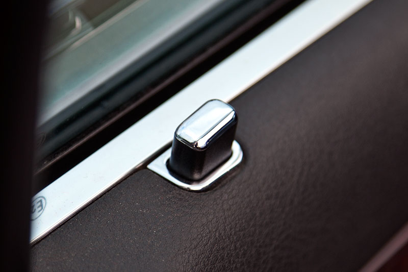 BMW 7er der dritten Modellgeneration E38, Chromline Interieur