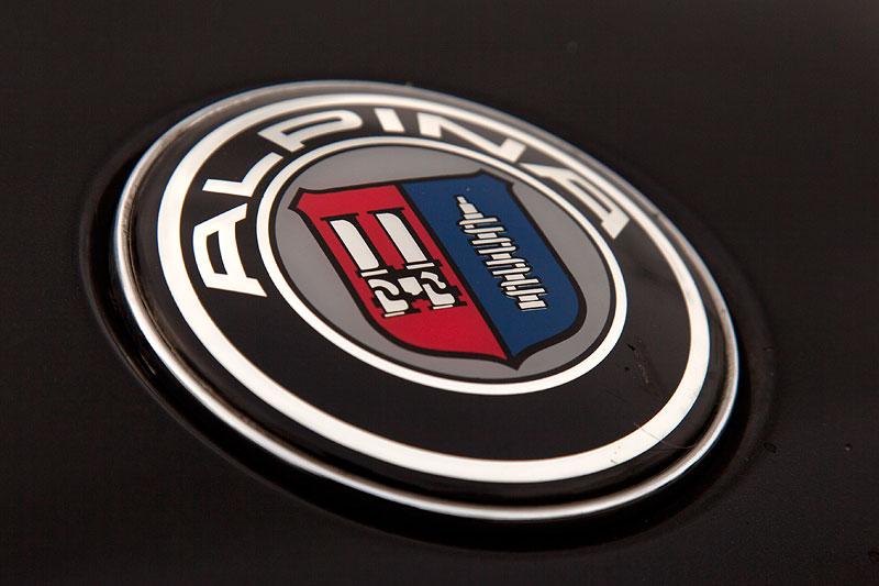 Alpina Symbol auf der Motorhaube des BMW 750i (E38) von Uwe ('guhms')