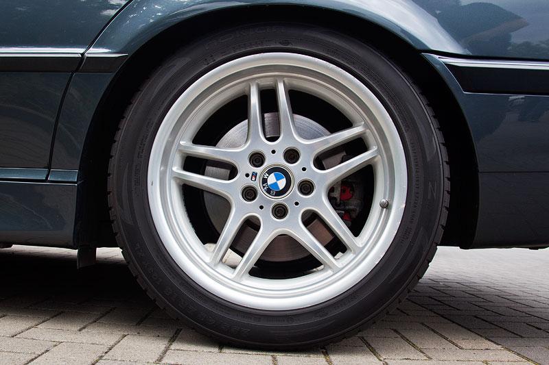 orig. BMW M Parallel Speiche Felgen auf dem BMW 740i (E38) von Waldemar ('740ger')